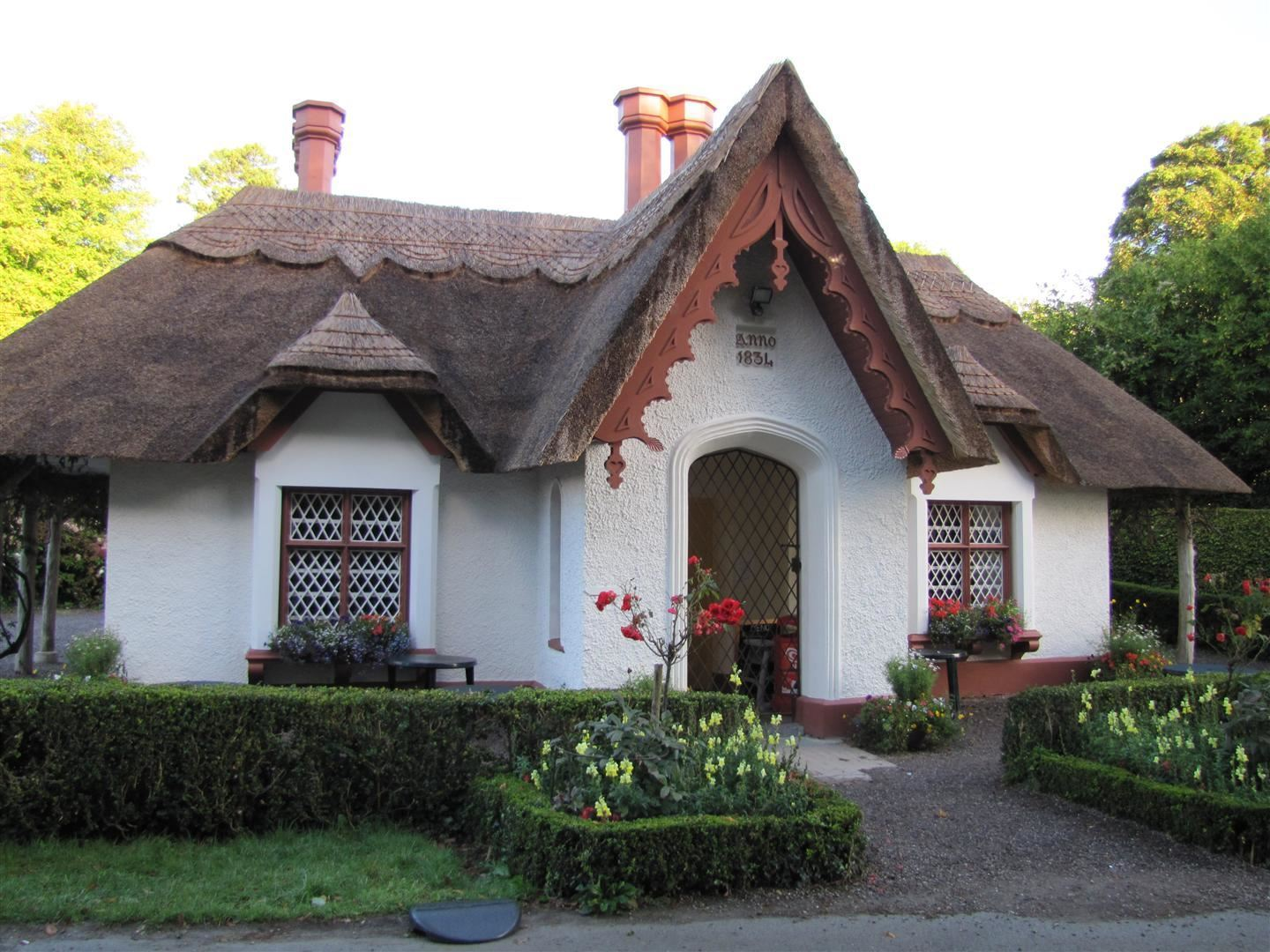 Thatched cottage killarney national park killarney county kerry ireland thatch cottages - The thatched cottage ...