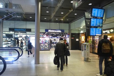 Micromania, gare Saint-Lazare - Paris, France - Used Video-Game