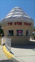 Image for Clermont, Florida: Ice Cream Cone Building.