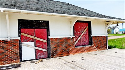 Cape Tormentine residents want derelict buildings removed