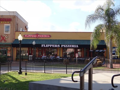 Flippers Pizzeria Old Town Kissimmee Florida
