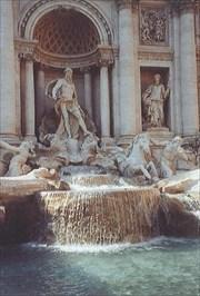 Fontana di Trevi - Rome