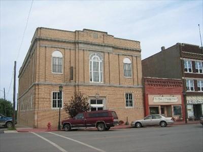 Masonic Lodge, Marceline, Missouri - Masonic Temples on ...