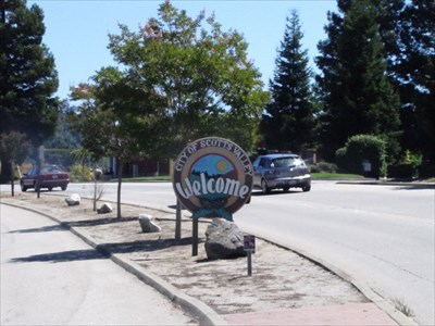 Scotts Valley Sign Setting on Median Strip