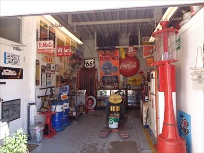 veritas vita visited Conoco Vintage Gas Pump