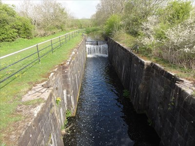 View of the disused lock chamber from the bridge.