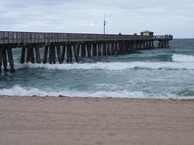 Pompano beach fishing pier pompano beach florida for Pompano fishing pier
