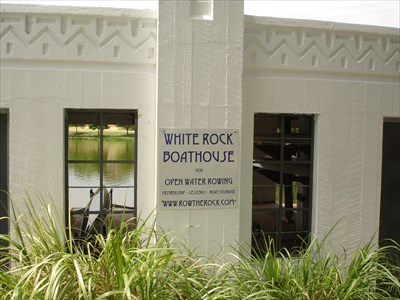white rock lake boathouse   art deco   art nouveau on waymarking com