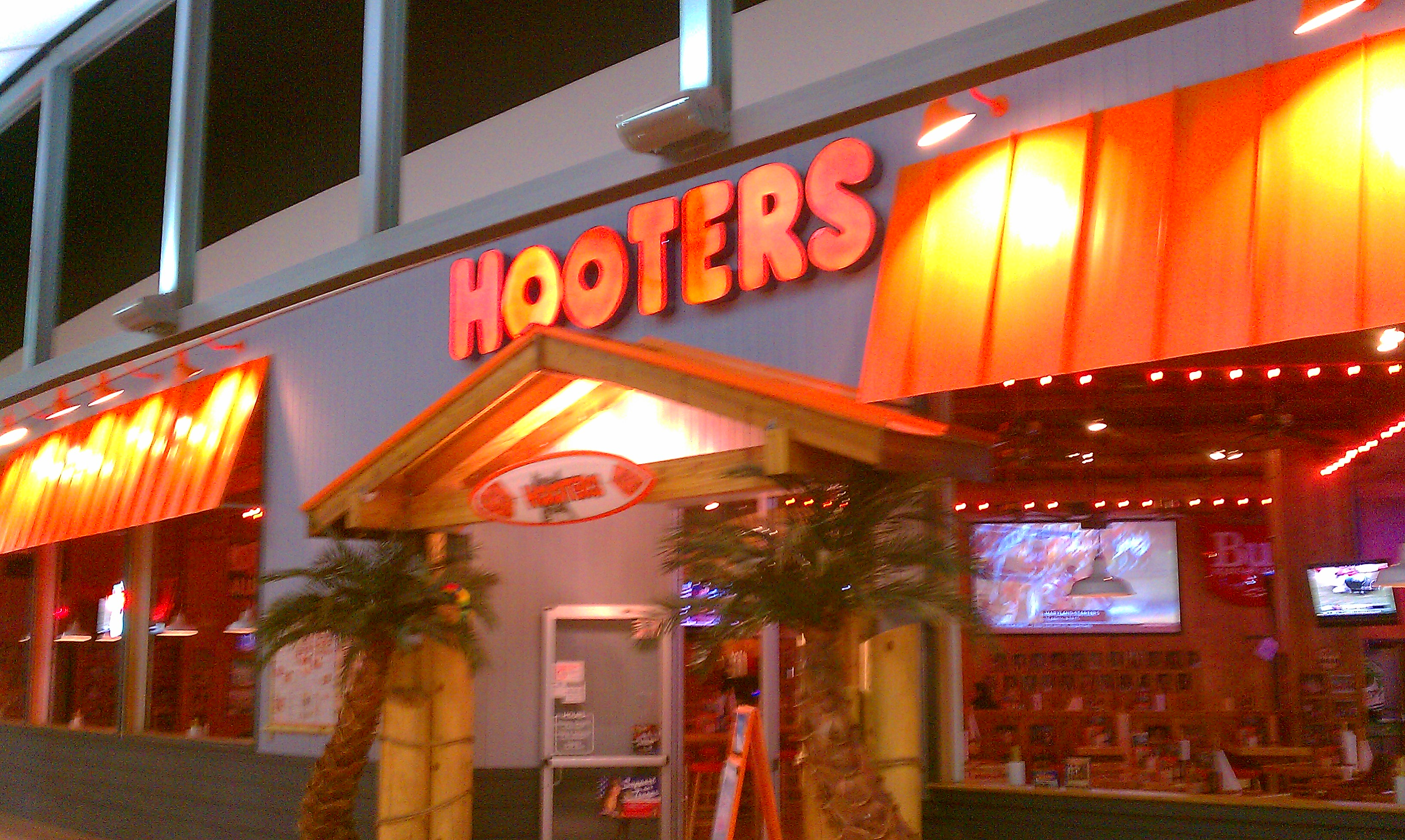 hooters restaurant Xvideos hooters videos, free xvideoscom - the best free porn videos on internet, 100% free.