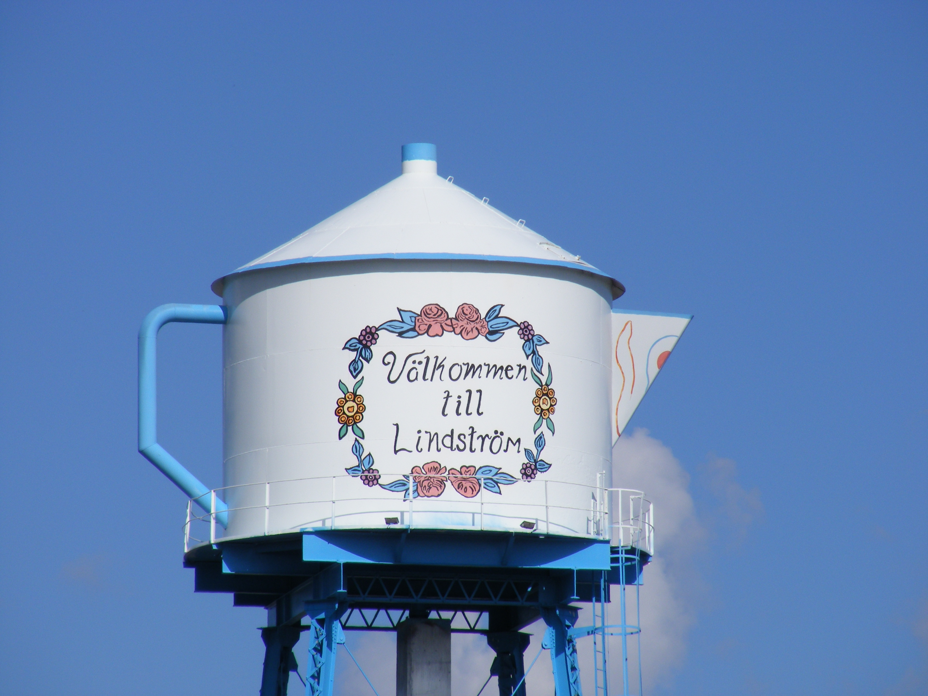 lindstrom teapot watertower lindstrom mn image. Black Bedroom Furniture Sets. Home Design Ideas