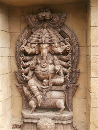 Ganesha Ashram / Ašrám zasvecený Ganéšovi - Prague ZOO