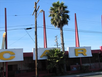 Lennox Car Wash, Inglewood, CA, Pane 3