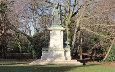 The statue of Victoria with the allegorical figures of industry on the right and motherhood on the left