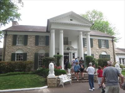 veritas vita visited Graceland