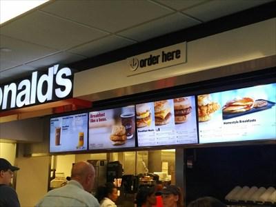 Mcdonald S Concourse B Denver International Airport