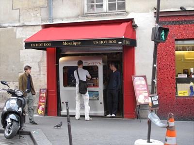 mosaique us hot dog le marais paris france independent hot dog restaurants on. Black Bedroom Furniture Sets. Home Design Ideas