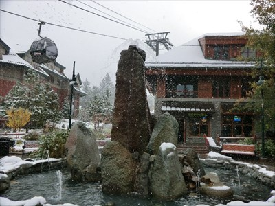 Fun place to visit. I was there for the first snow of this season.