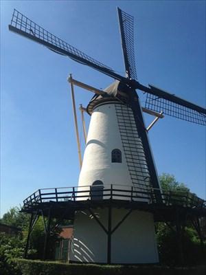 De witte molen in Rilland.