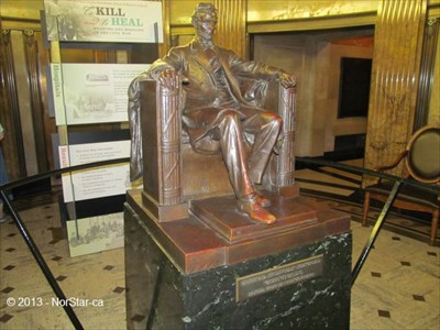Abraham Lincoln Study Sculpture At Lincoln S Tomb Springfield Il Exact Replicas On