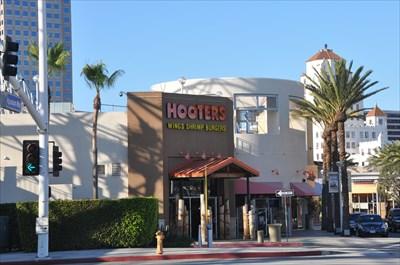 Long Beach Pike Hooters Hooters Restaurants On Waymarking Com