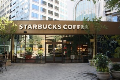 starbucks downtown seattle on 3rd and spring starbucks