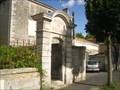 Image for Arche de l'ancienne entrée des filles de l'école de St Florent. Niort. France