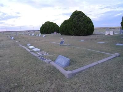 The Roan family plot in Claude Cemetery.  Roan