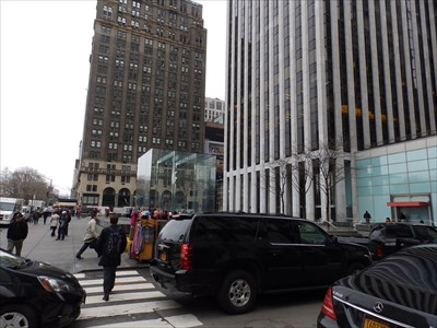 The Apple Store - 5th Avenue - New York