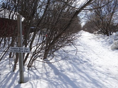 distance markers with trail