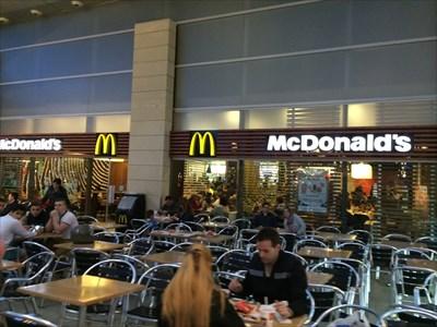 Mcdonald 39 s la maquinista centro comercial barcelona - Centro comercial maquinista barcelona ...