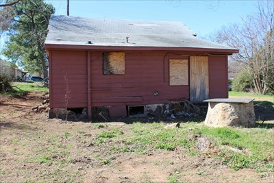2017 photo of the house, prior to excavation, at 1015 Hill St, Denton, TX.