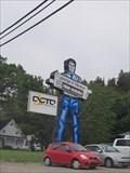 Image for Muffler Man chez Labrecque & Villeneuve - Chicoutimi, Québec