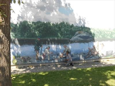 La mural et le reflet.