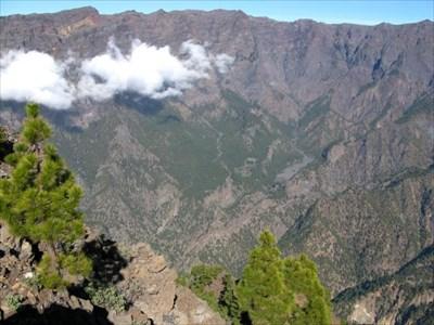 Caldera de Taburiente seen from Pico Bejenado.