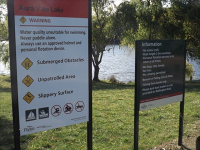 Signage for the Lake, at the car park at Henleys Picnic Area. No motorboats.