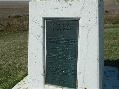 Tri-State Iron Post Historical Marker, USGS Valley Springs (SD,MN,IA)