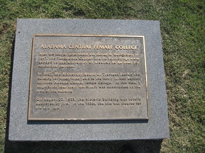 Marker with information about the building.