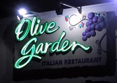 Olive Garden Italian Restaurant Edmonton Alberta Neon Signs On