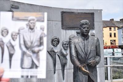 John F. Kennedy - Memorial Monument