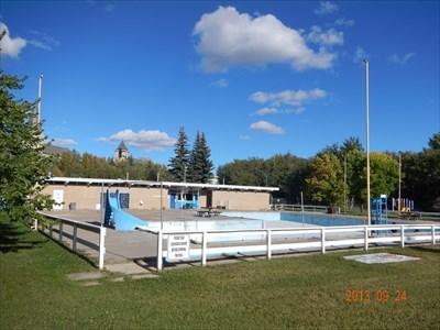 Bear Creek Pool Grande Prairie Alberta Public Swimming Pools On