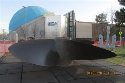 Waymark Code: WMBPV7, 18 ft Ship Screw - Science Museum - Oklahoma City OK - Ship Screws and Aircraft Props on Waymarking.com