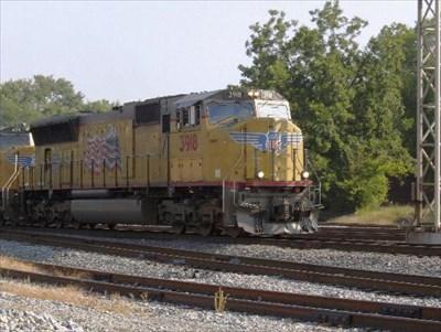 Southbound UP's 3918 & 4139 pulling piggybacks.
