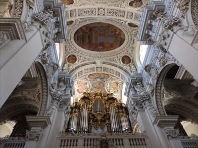 LARGEST -- Pipe Organ in Europe - Passau, Bayern, Germany