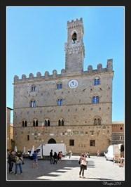 Town clock of the Priori Palace (L'orologio del Palazzo dei Priori) - Volterra