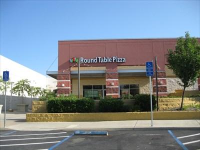 Round Table Pizza Mt Shasta Mall Redding Ca Pizza Shops