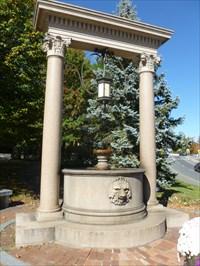 Panoramio - Photo of Wells Fountain on Main Street in
