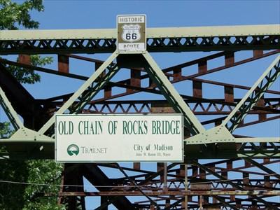 veritas vita visited Texaco Gas Pump - Old Chain of Rocks Bridge