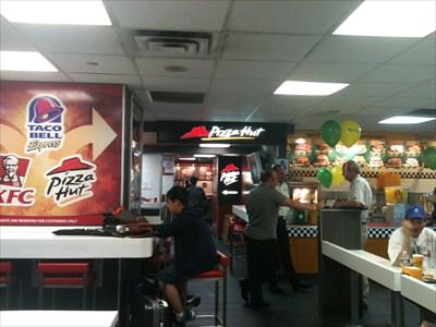 Pizza Hutt Penn Station New York Ny Hut Restaurants On Waymarking