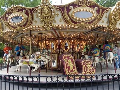 Coney's Island Carousel - Cincinnati, OH - Carousels on Waymarking.com