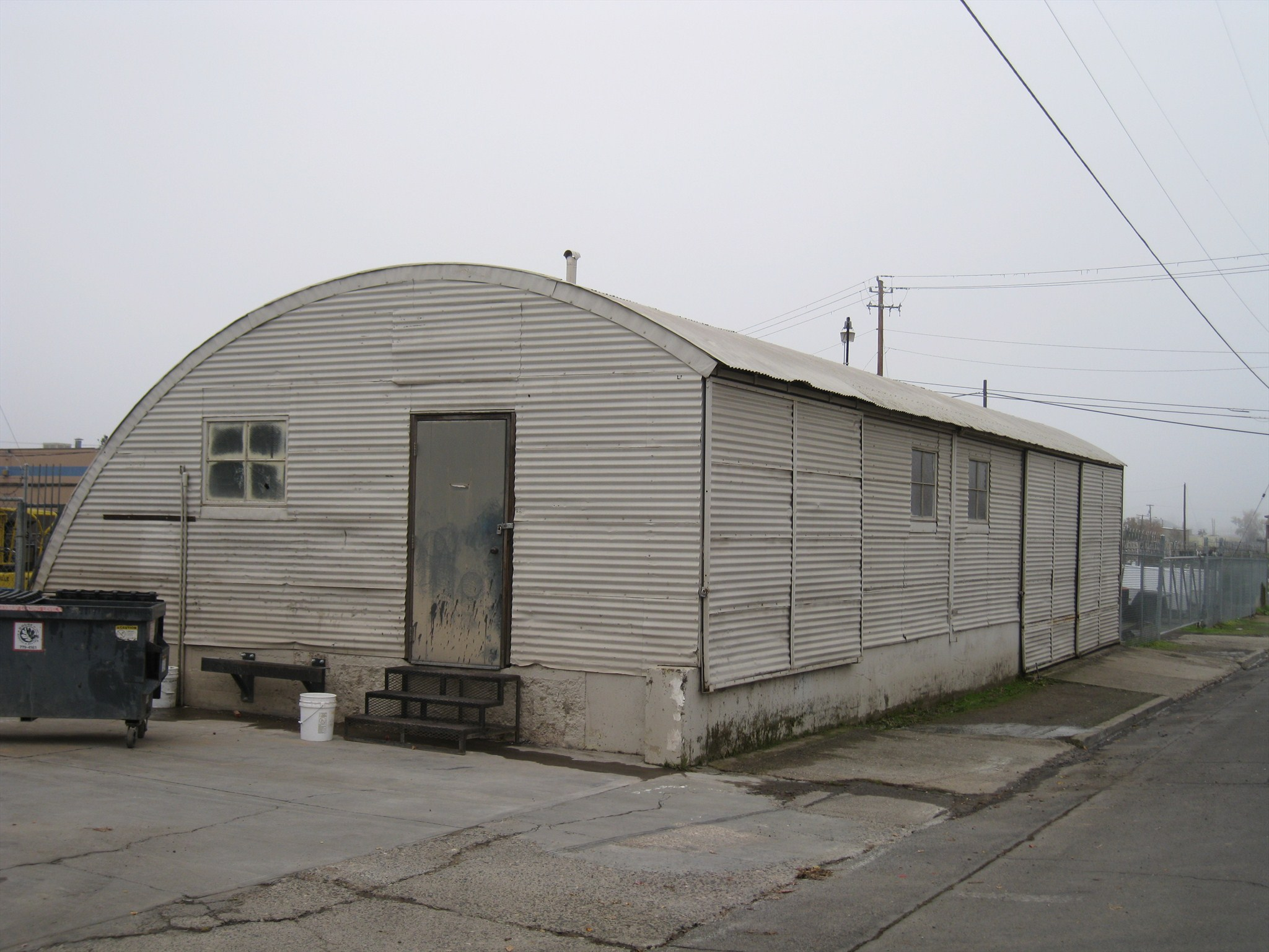 Quonset 24 hut medford oregon quonset huts on for Quonset hut